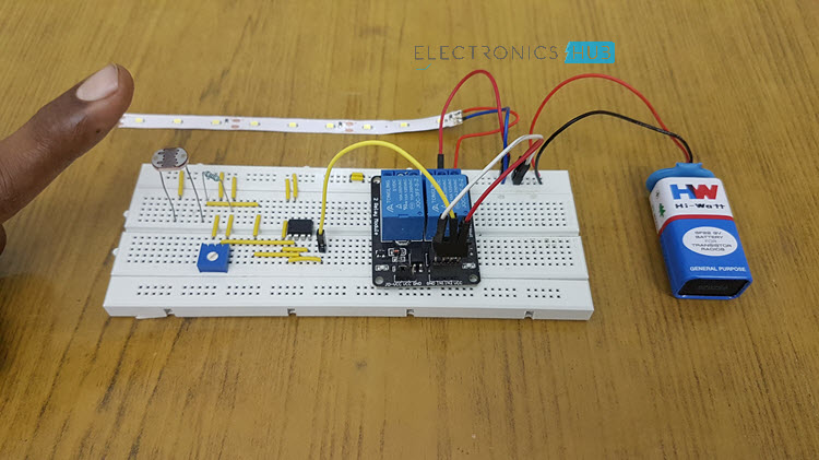 Automatic Street Light Controller Circuit Image 1