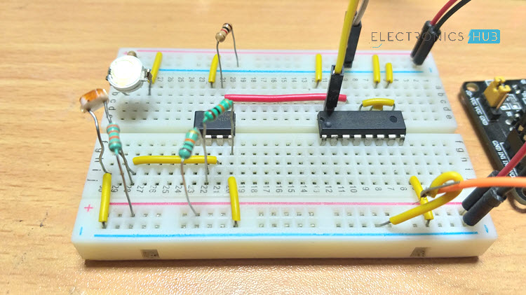 Wireless Switch Circuit using CD4027 Image 2
