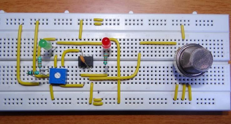 Smoke sensor circuit