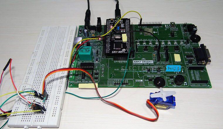 Interfacing a Servo Motor with ARM7 LPC2148-2