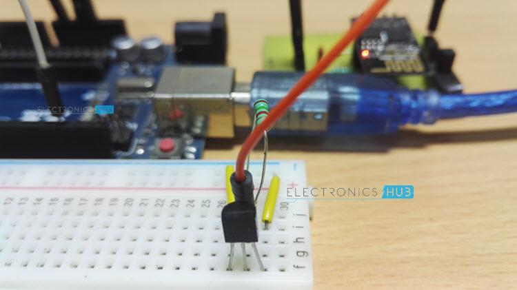 DS18B20 Temperature Sensor with ESP8266 and ThingSpeak Image1