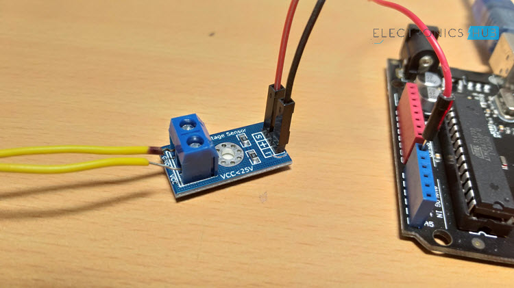 Interfacing Voltage Sensor with Arduino - Measure up to 25V