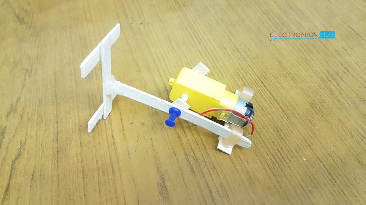 Simple DIY Walking Robot One Leg to Motor