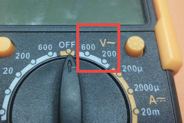 Measure-AC-Voltage