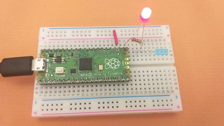 Raspberry-Pi-Pico-External-LED-Blinky